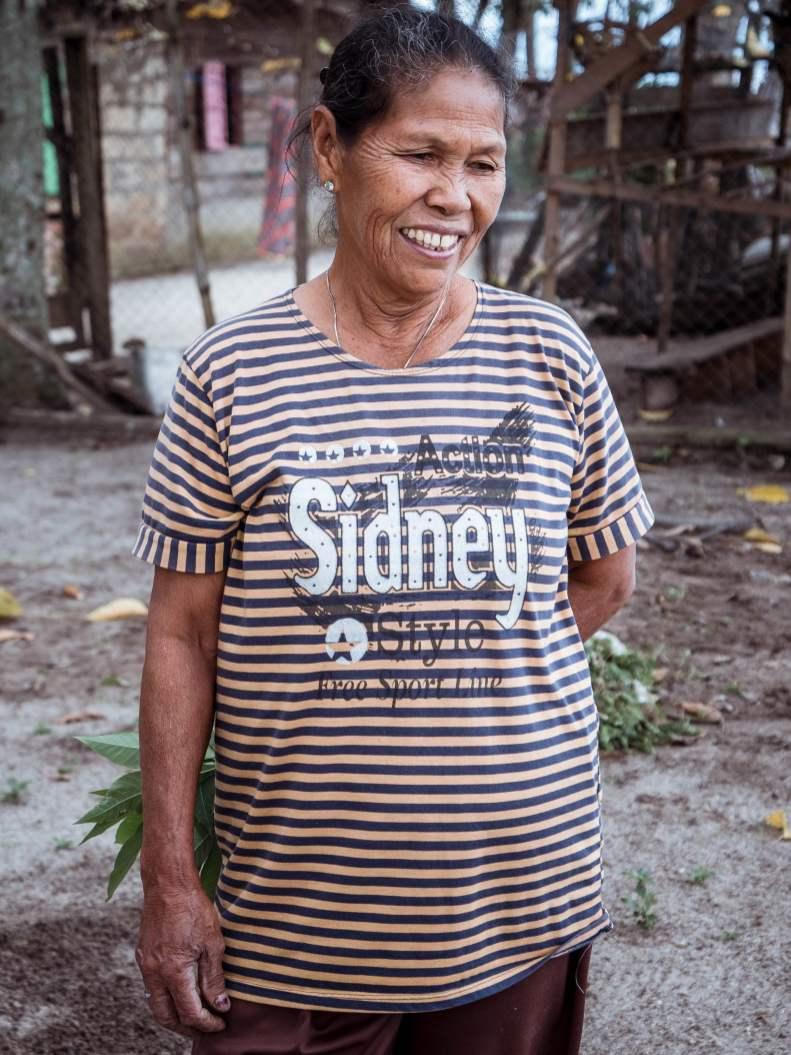 Habitante de l'île de Samosir à Sumatra en Indonésie