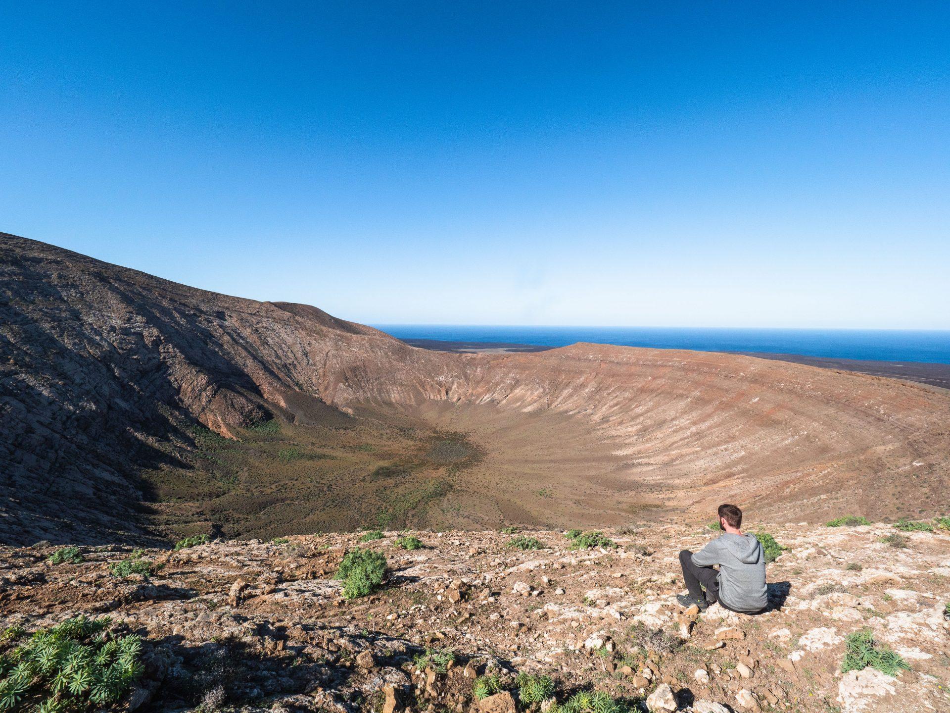 Caldera blanca, volcan de lanzarote aux canaries