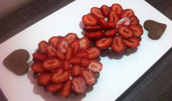 Mes tartelettes aux fraises, crème pâtissière à la vanille et pâte sablée cacaotée