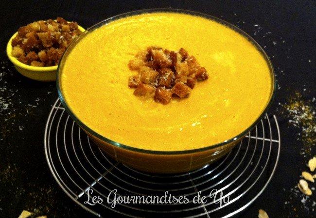 Velouté de courge et carottes, noix de coco au curry LGY
