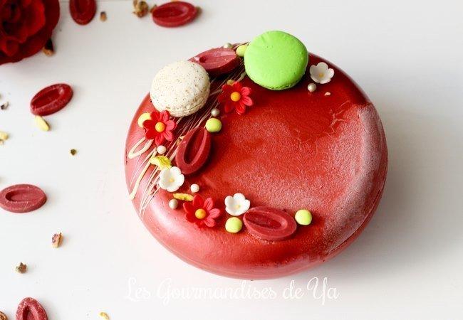 Entremets fraise, pistache et vanille
