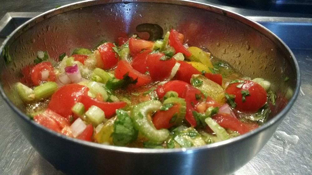 Julienne de légumes : céleri, citron, oignon rouge,...