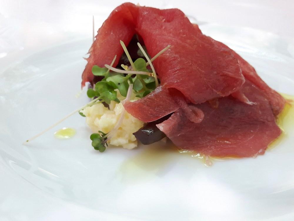 Lamelles de thon. Légumes aigre-doux...vinaigre de porto.