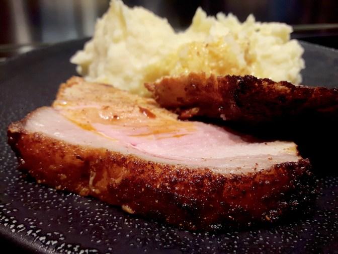 Filet de porc aux épices. Purée maison.