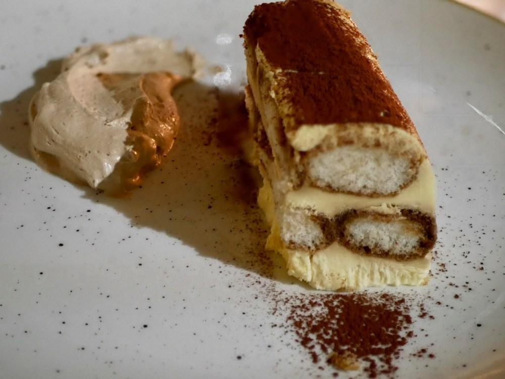 Un tiramisu et une crème fouettée expresso [A retenir!]. Un dessert maison!!