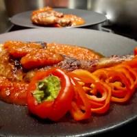 [Sur un petit air basque...!] Pintade grillée et la Piperade des Gourmands.