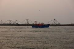 Le soir, les bateaux rentrent au port...