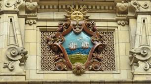 La façade est très décorée