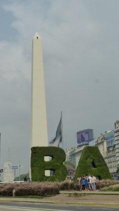 L'obélisque, sur l'avenue 9 de Julio
