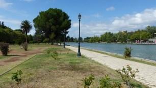 Le long du lac, dans le parc San Martin