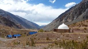 Un genre de temple (Stupa?) au milieu de nulle part...