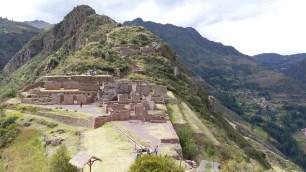 Temples au sommet de la colline
