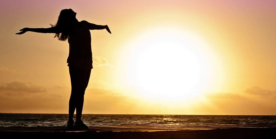 Comment proteger sa peau du soleil, conseils et astuces des Happycuriennes