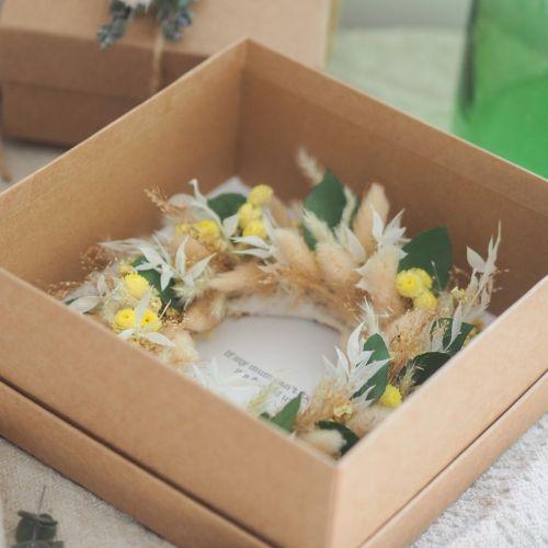 Coffret couronne en fleurs séchées