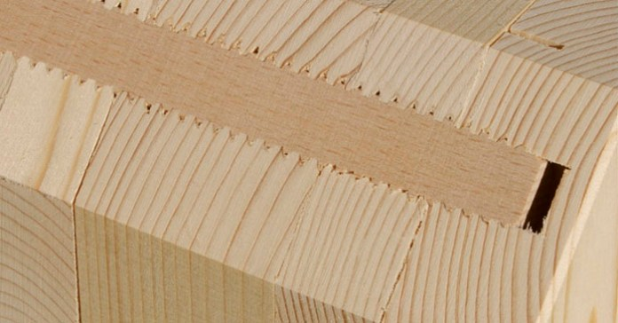 Vezanje lesenih plošč z vijaki iz lesa