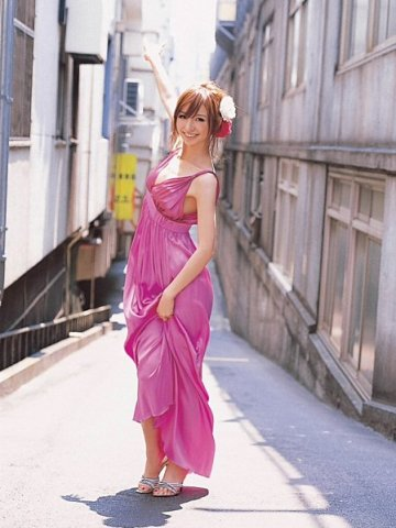 Mariko Shinoda robe