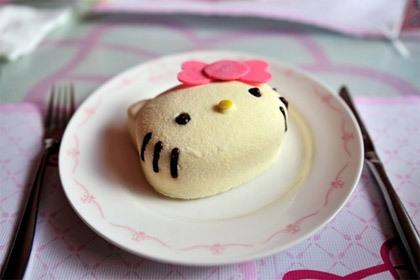 20110724_hello-kitty-cake.jpg
