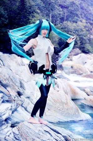 Shiro cosplay at Miku Append (Photo by S)