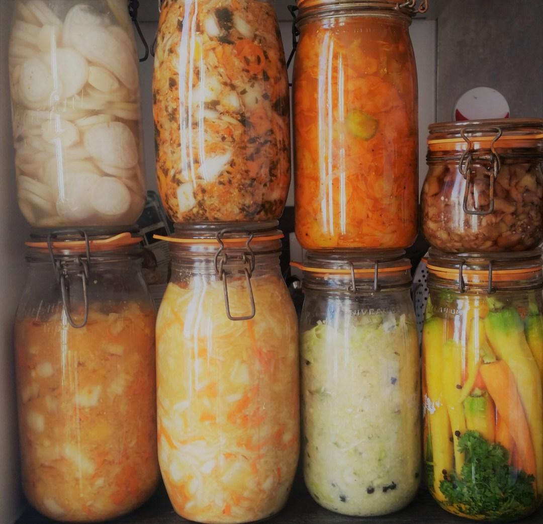 Jarres de fermentation : la conservation des légumes par lacto-fermentation est pleine de bienfaits !