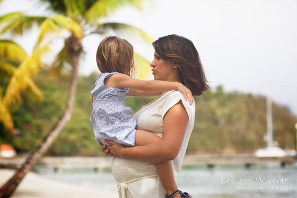 Seance grossesse en famille a la plage Martinique 2