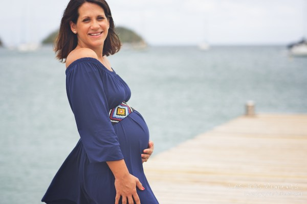 Seance grossesse en famille a la plage Martinique 24