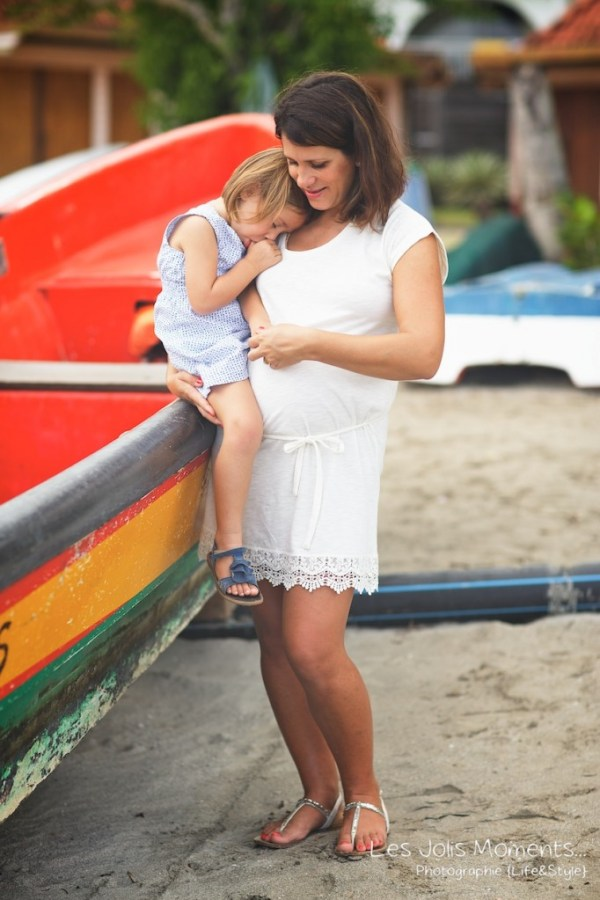 Seance grossesse en famille a la plage Martinique 4