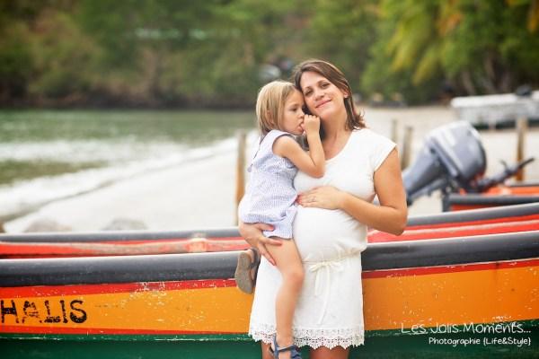 Seance grossesse en famille a la plage Martinique 5
