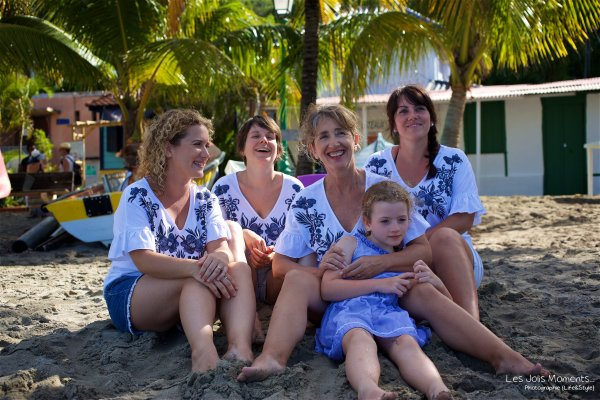 Seance grande famille sur la plage de Grande Anse 23