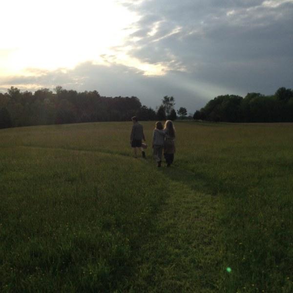 sunset-friends