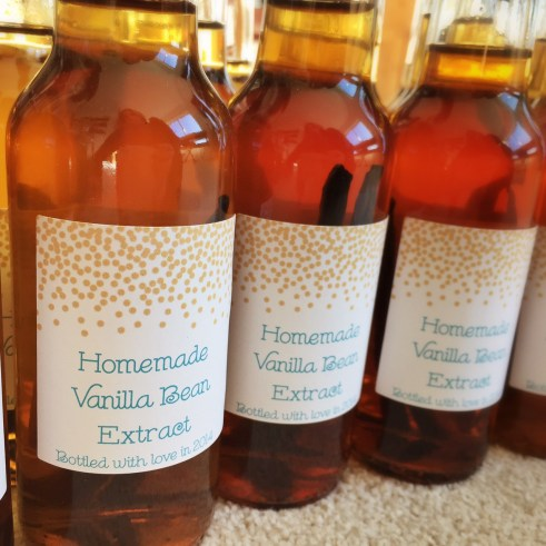 Homemade Vanilla Extract Gifts!
