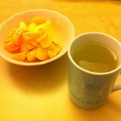 Des fruits, de la verveine citronnée, c'est bon et ça requinque !