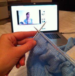 Tricoter devant So Dudette