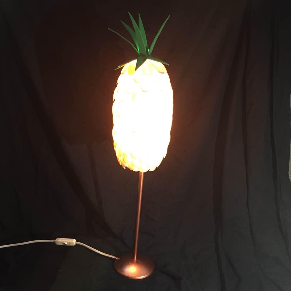 Lampe Ananas Rose Pied Cuivre Les Lumieres De Blanche