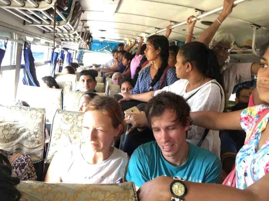 bus rempli de monde