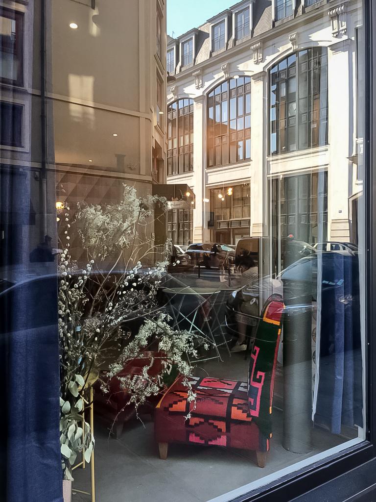 gourmandise-paris-salondethe-gouter-patisserie-decoration-colorova-vitre