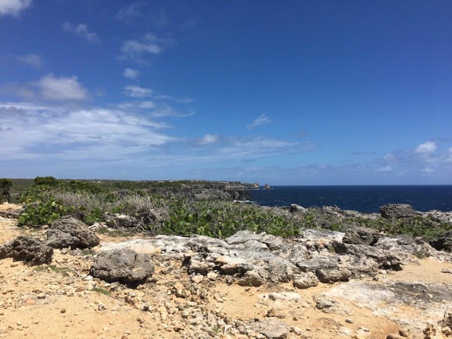 sentier-randonnée-guadeloupe-caraibes-rochers