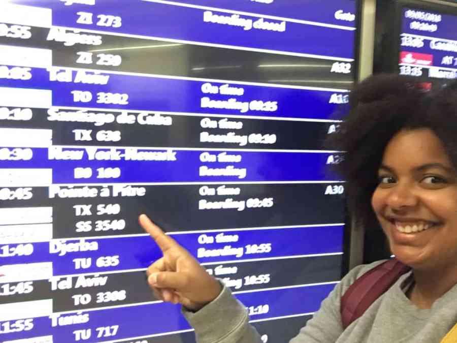 panneau-affichage-aeroport-depart-voyage