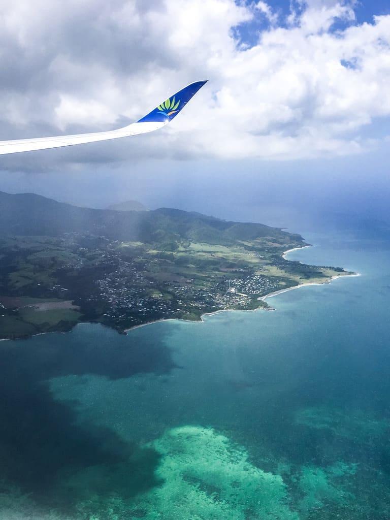 avion-hublot-guadeloupe-caraibes-paysage-mer-ile