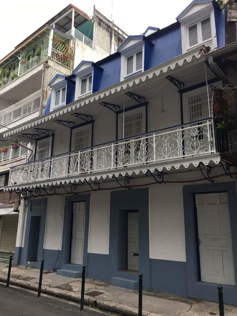 architecture-coloniale-maison-façade-guadeloupe-caraibes-couleurs