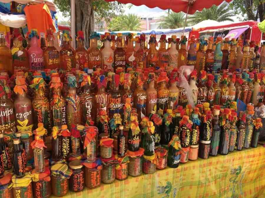 marché-sainte anne-guadeloupe-caraibes-madras-rhum-plage