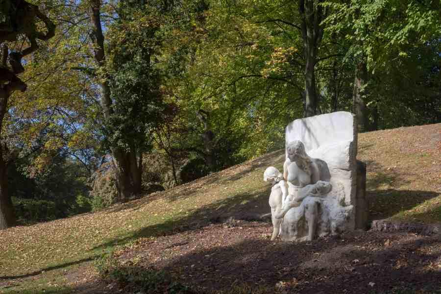 valenciennes-hainaut-visites mystères-autour du louvre lens-musee-beaux arts-jardin-sculpturre-cain-automne-rhonelle