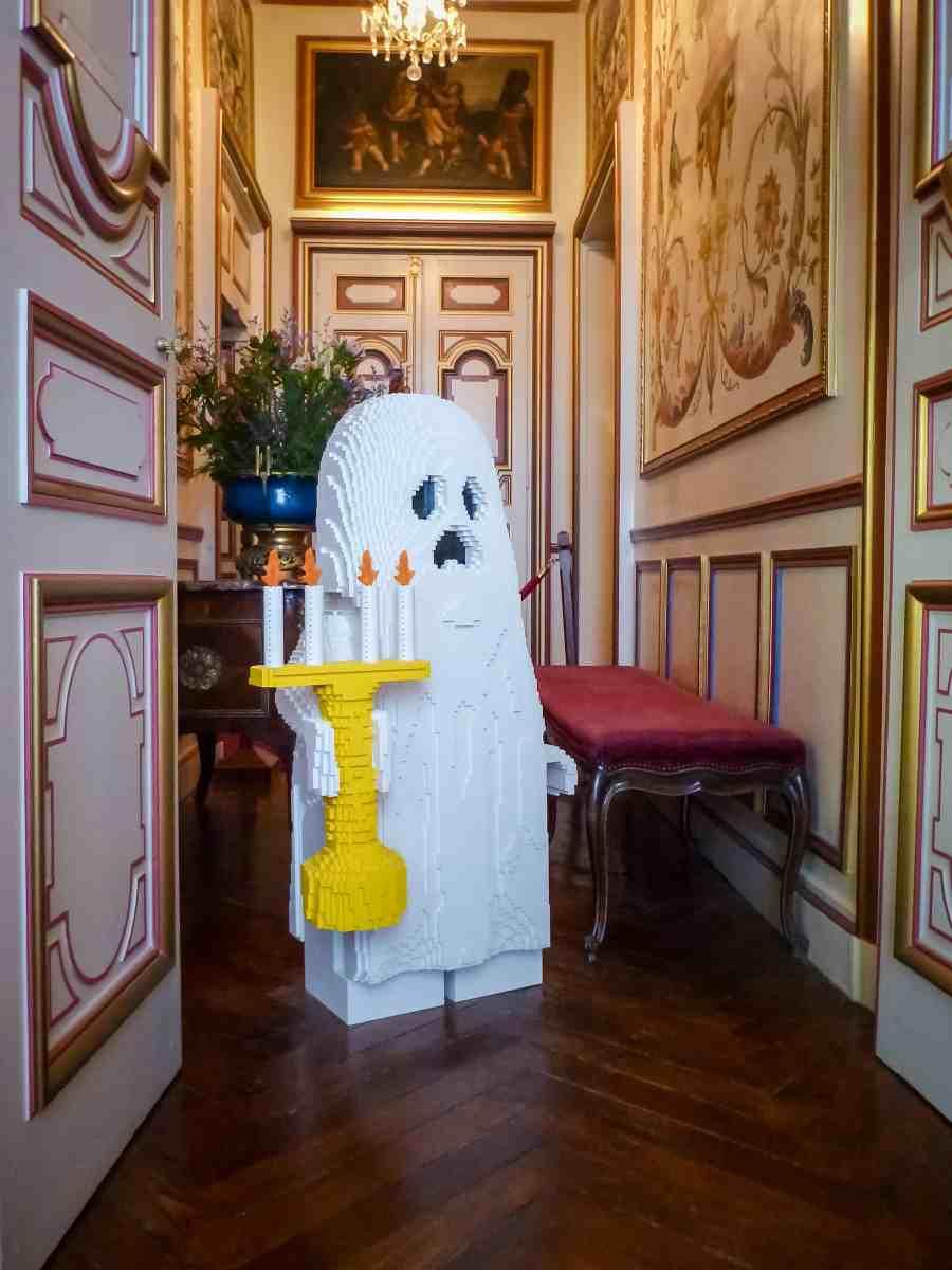 chateau-cheverny-loire-moulinsart-fantome-lego