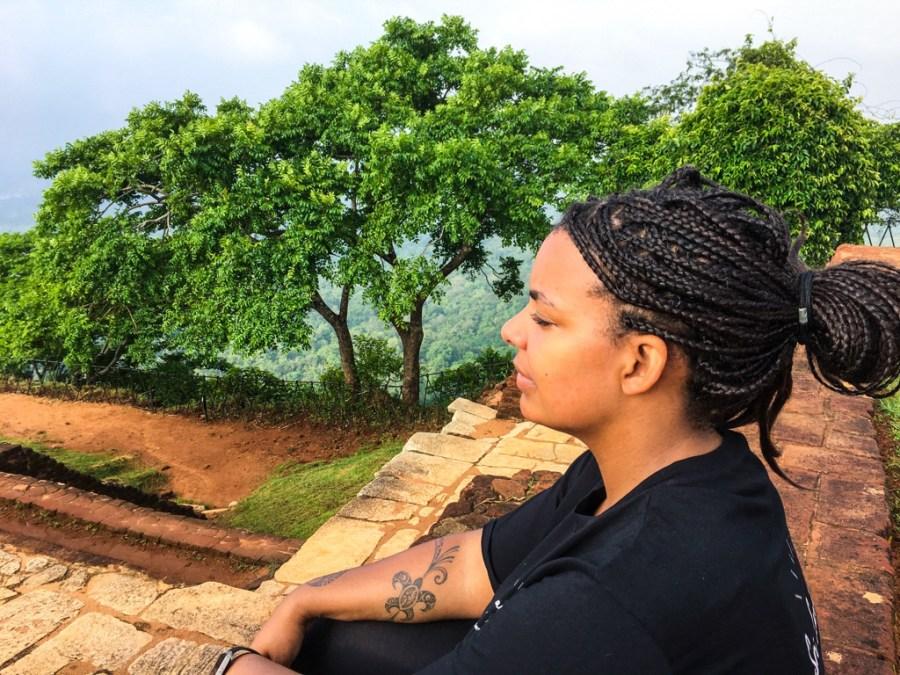 Zen attitude au rocher du lion au Sri Lanka