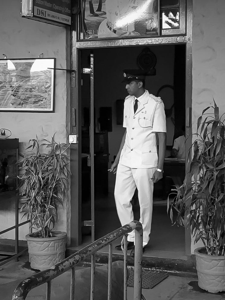 Le chef de gare au Sri Lanka
