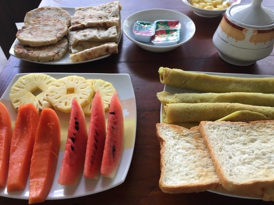 Petit déjeuner à notre guest-house au Sri Lanka