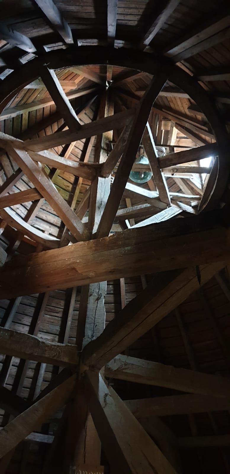 Charpente de la tour de guet du château d'Olhain