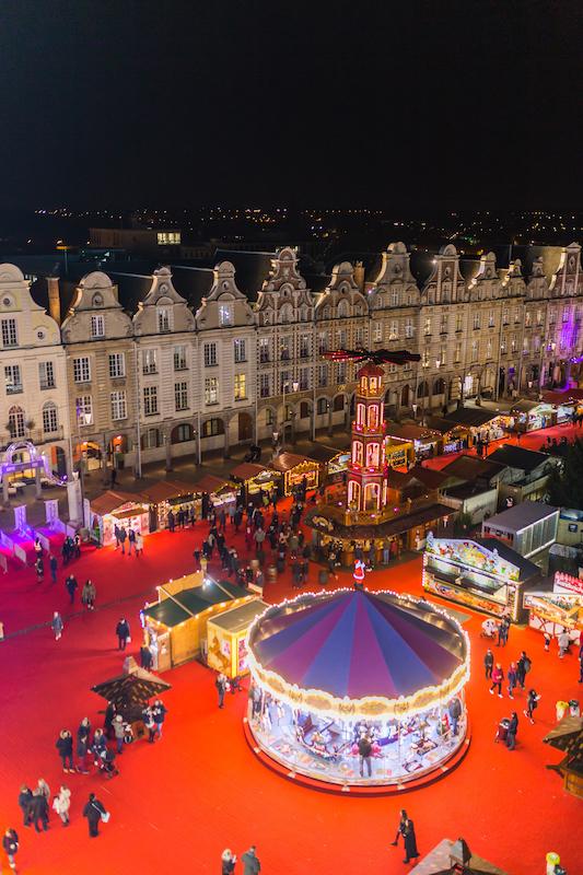 La grande place d'Arras au moment des fêtes