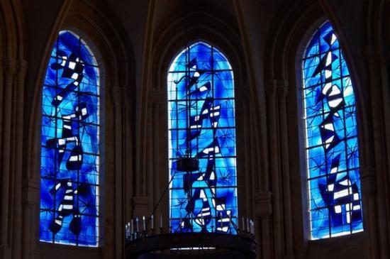 Vitraux de l'église frambourg à Senlis