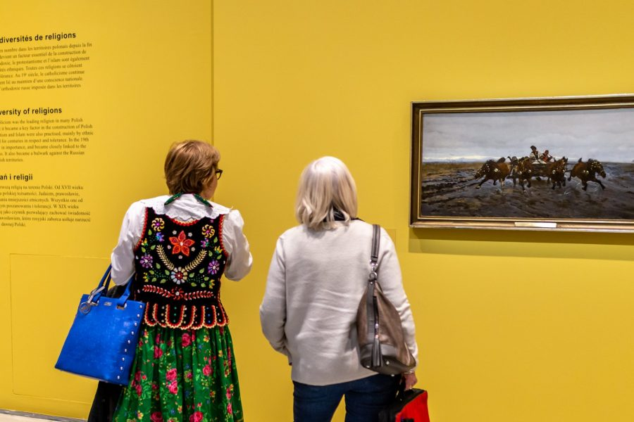 Visite folklorique polonaise au musee