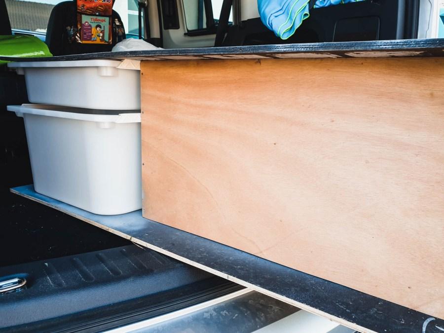 Meuble pour transformer sa voiture en mini camping car